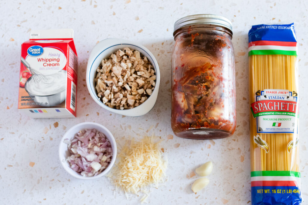 kimchi alfredo pasta ingredients