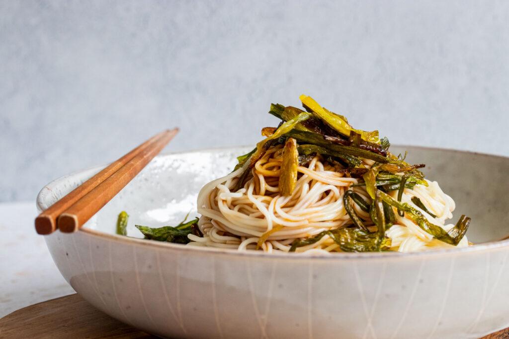 unmixed scallion oil noodles